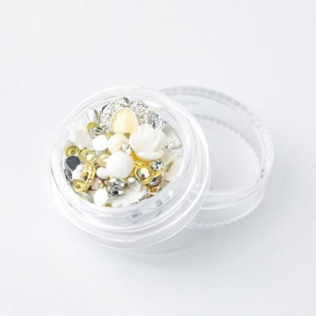 Ozdoby na nechty mix 01 - biely